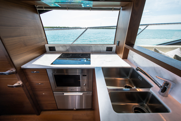 2017 Princess 65' S65 KEEPIN' IT LIGHT  | Picture 5 of 28