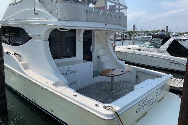 Picture Of: 50' Silverton 2007 Yacht For Sale | 3 of 38