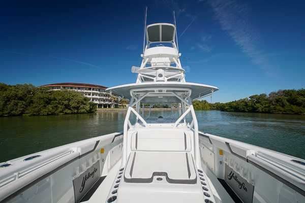 Picture Of: 42' Yellowfin 42 Center Console 2016 Yacht For Sale | 2 of 41