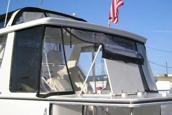 Picture Of: 43' Carver 404 Cockpit Motor Yacht 2000 Yacht For Sale | 3 of 12