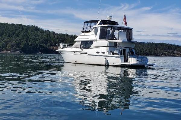 Picture Of: 43' Carver 404 Cockpit Motor Yacht 2000 Yacht For Sale | 2 of 12