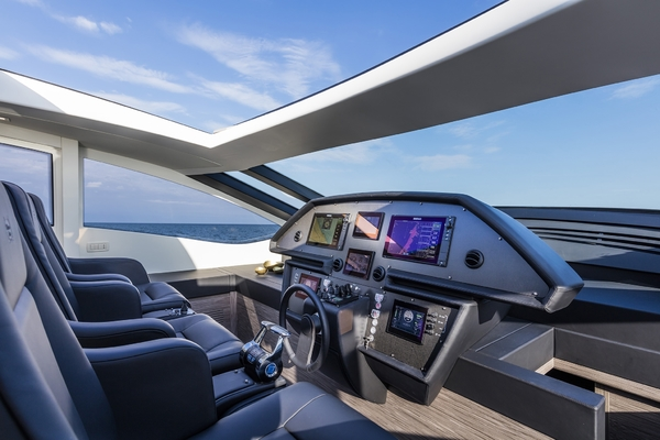 2016 Pershing 82'   | Picture 5 of 10