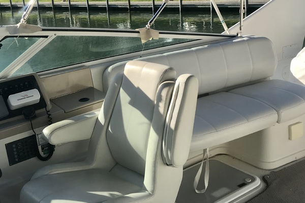 2006Carver 36 ft 360 Mariner
