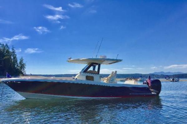 Picture Of: 30' Chris-Craft 30 Catalina 2018 Yacht For Sale | 2 of 22