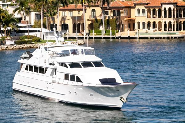 Picture Of: 100' Broward 1992 Yacht For Sale | 4 of 69