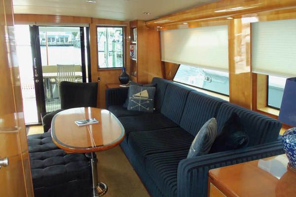 Picture Of: 76' Queenship Barretta 76 2004 Yacht For Sale | 4 of 86