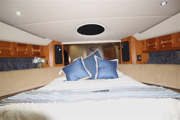 Picture Of: 50' Cruisers 5000 Sedan Sport 2001 Yacht For Sale | 4 of 58