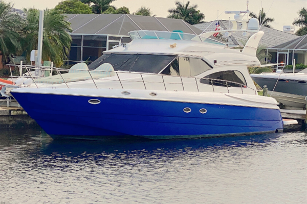 Picture Of: 50' Cruisers 5000 Sedan Sport 2001 Yacht For Sale | 1 of 58
