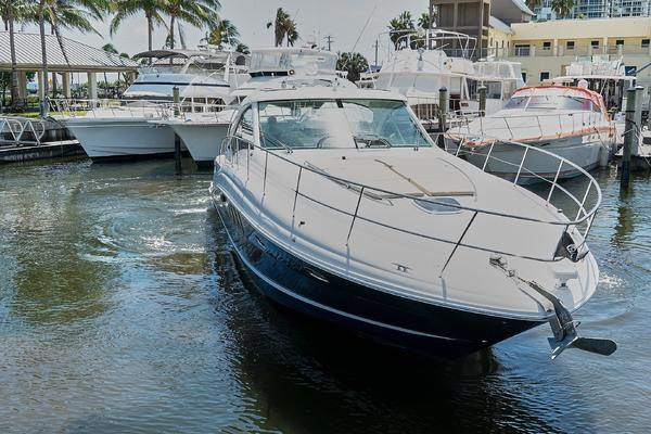 Picture Of: 51' Sea Ray 48 Sundancer 2006 Yacht For Sale   3 of 35