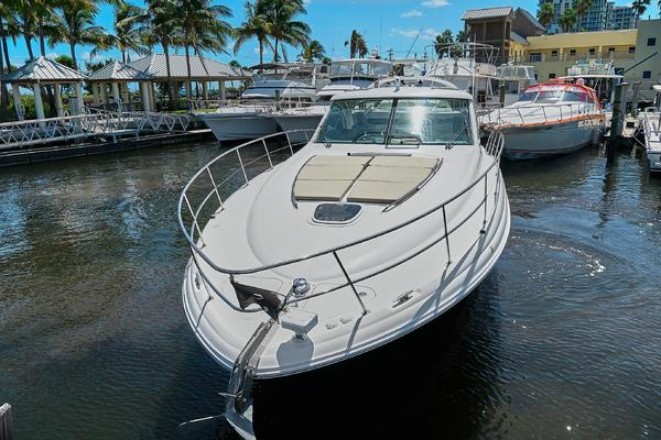 Picture Of: 51' Sea Ray 48 Sundancer 2006 Yacht For Sale   4 of 35
