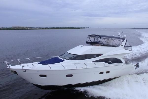 Picture Of: 59' Marquis 59 2004 Yacht For Sale | 3 of 90