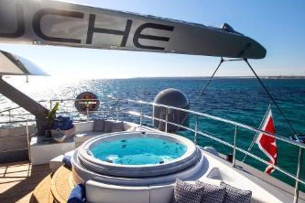 2011 Catamaran 95' Blue Coast Yachts  CARTOUCHE | Picture 5 of 44