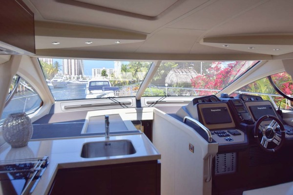 Picture Of: 54' Azimut 54 Flybridge 2014 Yacht For Sale | 4 of 47