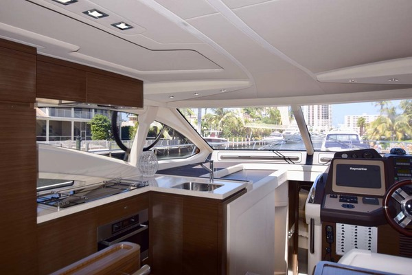Picture Of: 54' Azimut 54 Flybridge 2014 Yacht For Sale | 3 of 47