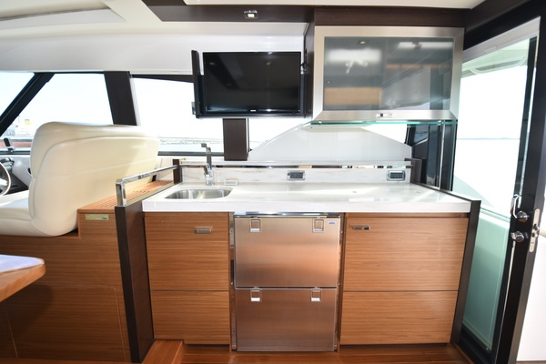 Picture Of: 44' Tiara 44 Coupe 2015 Yacht For Sale | 4 of 54