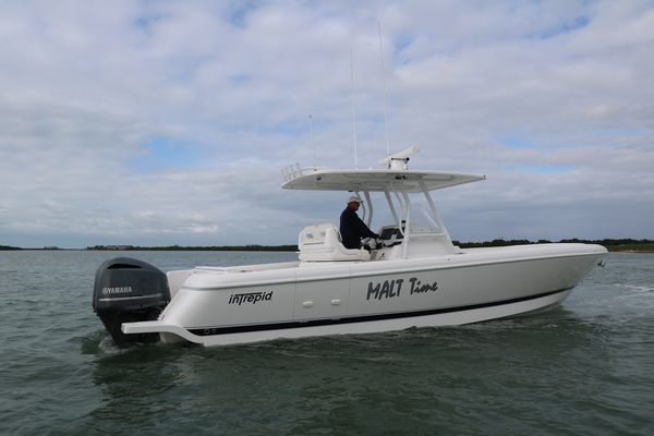 Picture Of: 32' Intrepid 327 Center Console 2016 Yacht For Sale | 2 of 21