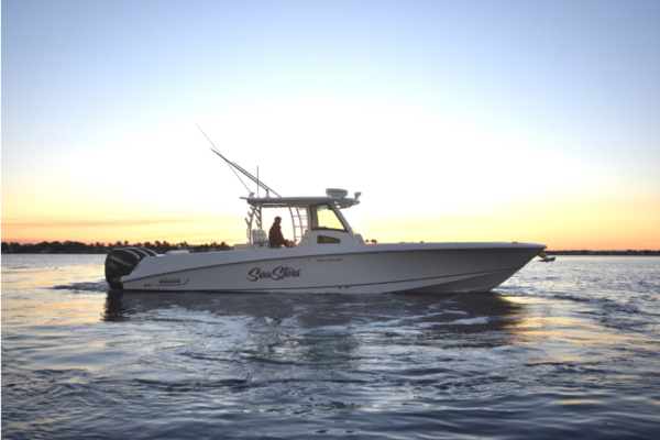 37' Boston Whaler 370 Outrage 2014 | Sea Sters