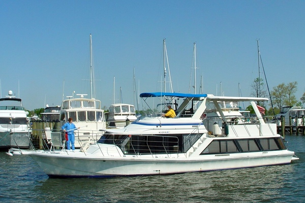 55' Bluewater Yachts Coastal Cruiser 1987 | Blue Moon