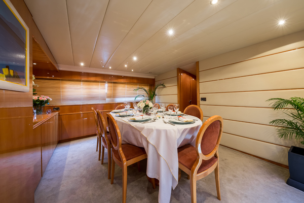 1998 Mangusta 86'  INDULGENCE OF POOLE | Picture 6 of 14