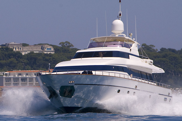 1998 Mangusta 86'  INDULGENCE OF POOLE | Picture 2 of 14