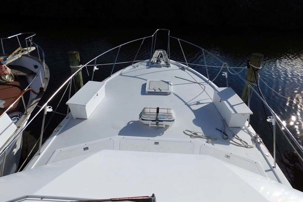 1986 Hatteras 52' Convertible My Alyby   Picture 2 of 64