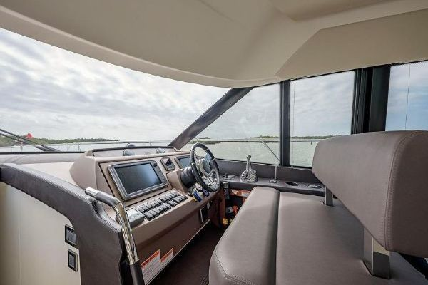 2015 Prestige 55' 550  | Picture 5 of 23