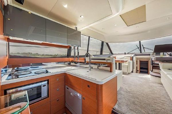 2015 Prestige 55' 550  | Picture 3 of 23