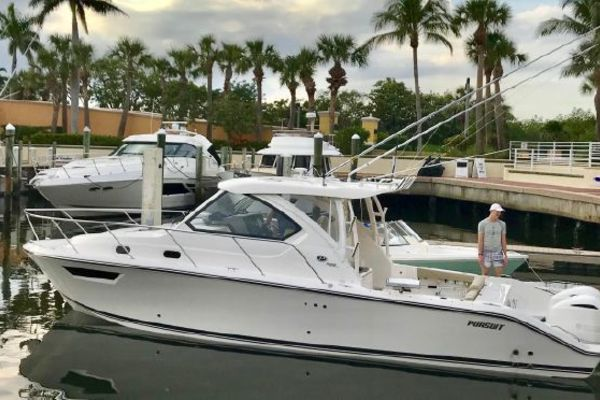 Picture Of: 32' Pursuit 325 OS 2018 Yacht For Sale | 3 of 16