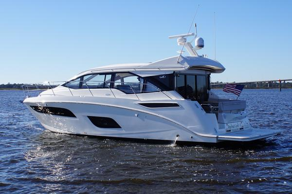 Picture Of: 46' Sea Ray 460 Sundancer 2019 Yacht For Sale | 4 of 39