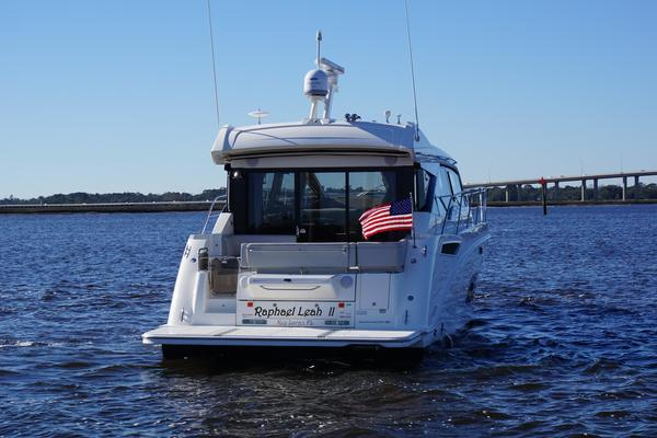 Picture Of: 46' Sea Ray 460 Sundancer 2019 Yacht For Sale | 3 of 39
