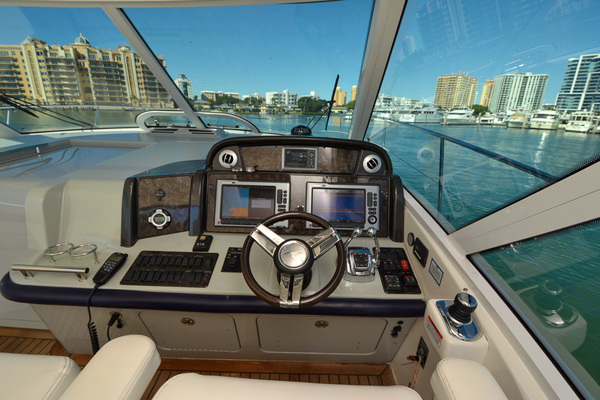Picture Of: 51' Sea Ray 500 Sundancer 2011 Yacht For Sale | 3 of 66