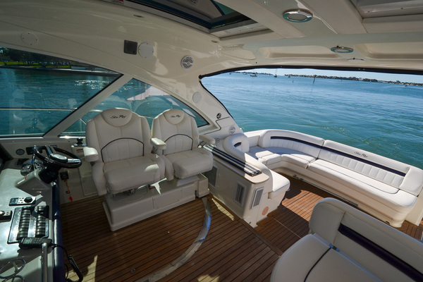 Picture Of: 51' Sea Ray 500 Sundancer 2011 Yacht For Sale | 4 of 66