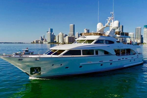 Picture Of: 100' Benetti Tradition 100 2006 Yacht For Sale | 3 of 134