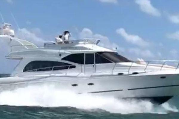 50' Cruisers Yachts Sedan Sport 2001 | Hooter Patrol Iii