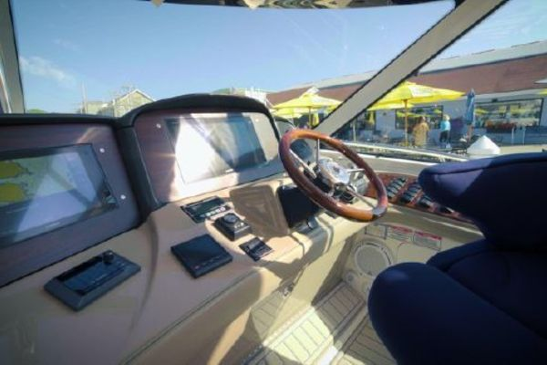 Picture Of: 50' Sea Ray Sundancer 2005 Yacht For Sale | 2 of 26