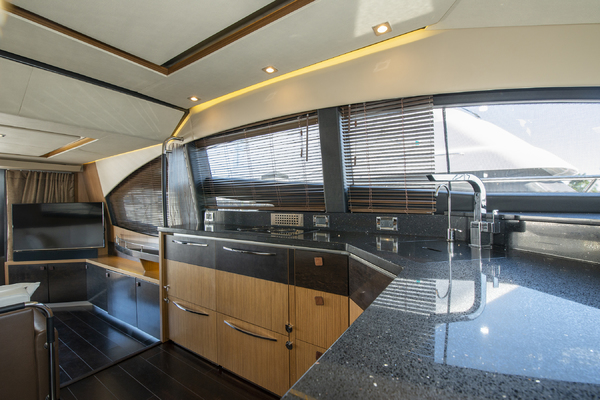 Picture Of: 59' Sea Ray 590 Flybridge 2016 Yacht For Sale   3 of 39