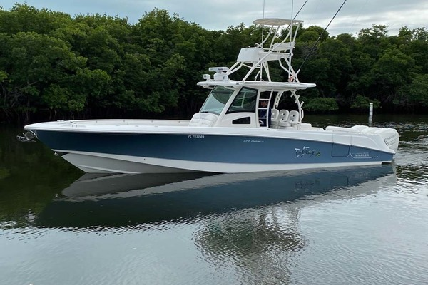 Picture Of: 37' Boston Whaler 370 Outrage 2015 Yacht For Sale | 3 of 25