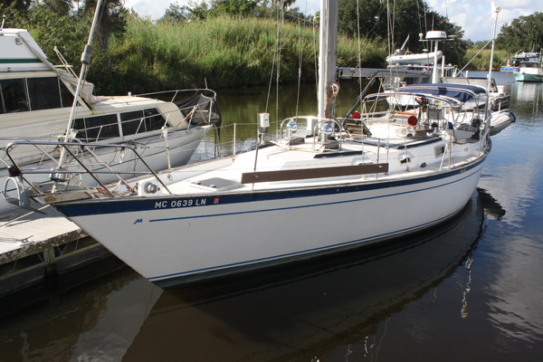 38' Morgan 384 1983 | Valdaree