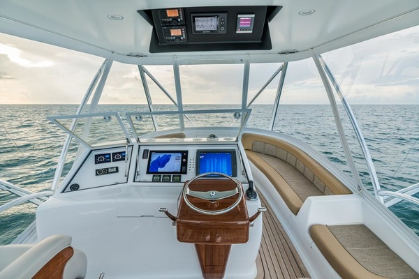 2013 F&S 50' Custom Carolina with Seakeepers Epiphany | Picture 7 of 63