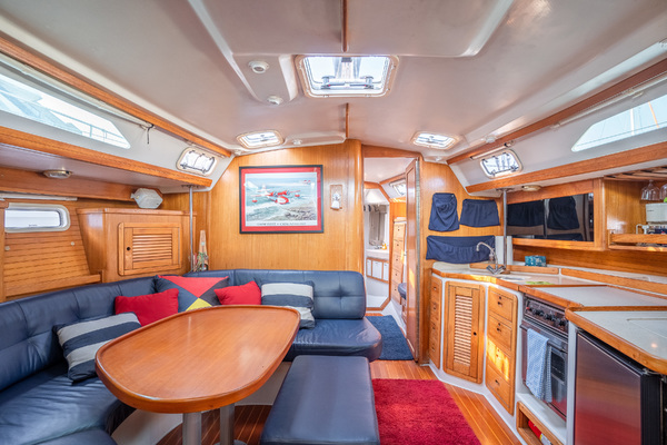 Picture Of: 42' Catalina 42 1997 Yacht For Sale | 4 of 8