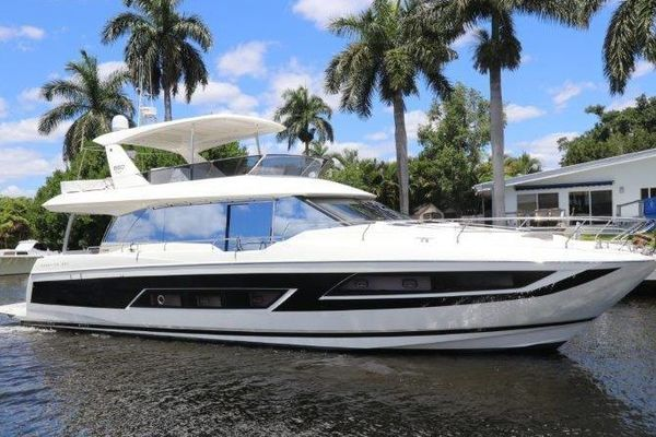 68' Prestige Motoryacht 2017 | Second Thoughts