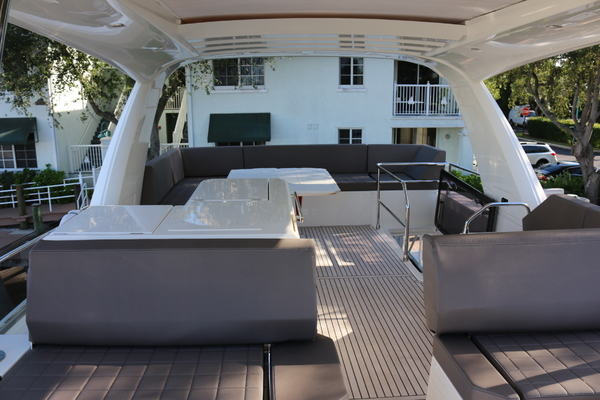2018 Prestige 63' 630 Over The Rainbow | Picture 2 of 97