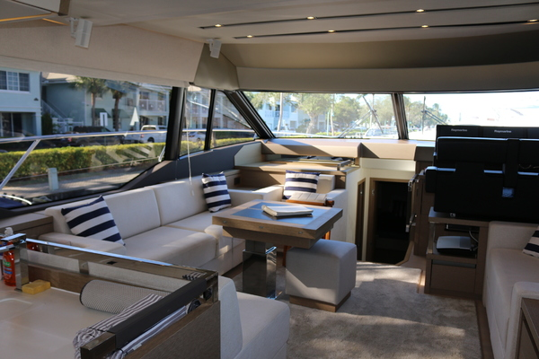 2018 Prestige 63' 630 Over The Rainbow | Picture 4 of 97