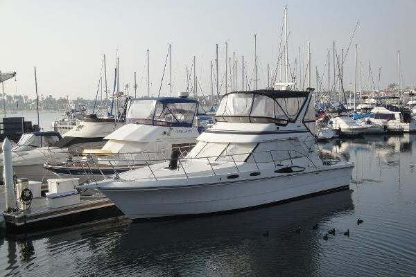 Picture Of: 44' Vantare Convertible Sportfishermannn 1988 Yacht For Sale | 3 of 32