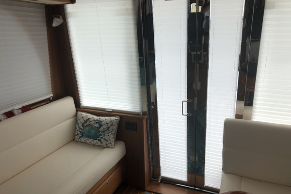 Picture Of: 42' Sabre Salon Express 2013 Yacht For Sale | 4 of 19