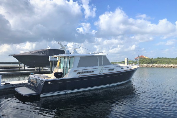 Picture Of: 42' Sabre Salon Express 2013 Yacht For Sale | 1 of 19