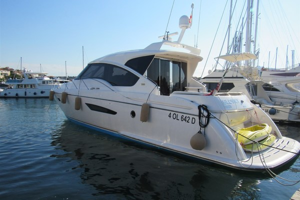 Picture Of: 60' Tiara 5800 Sovran 2008 Yacht For Sale | 2 of 24