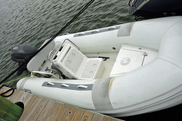 2010 Hylas 70' Center Cockpit MAGNETIC SKY | Picture 2 of 37