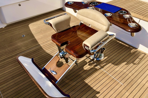 2010 Viking 76' 76 Convertible High Cotton | Picture 3 of 61