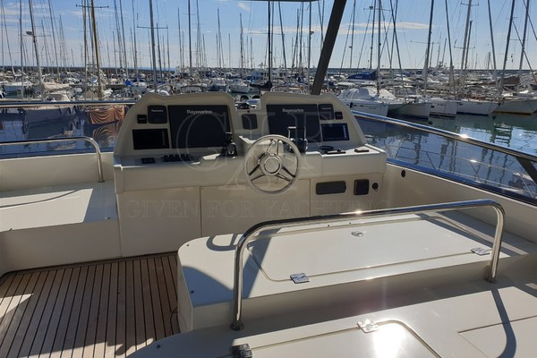 Picture Of: 65' Monte Carlo MCY 65 2016 Yacht For Sale | 3 of 24